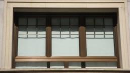 Hoy vamos a conocer la madera blanda o dura, sus características y usos para la fabricación de ventanas de madera.