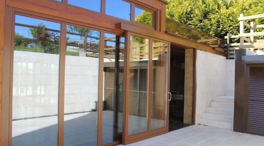 ventajas de utilizar madera en la fabricacion de puertas y ventanas